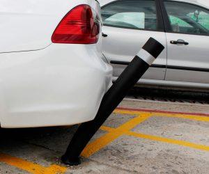 Bolardo A- Eco semiflexible aplastado por coche
