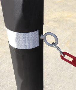 Bolardo A-Flex customizado con cadena