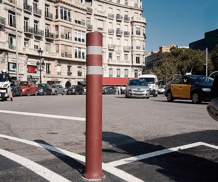 Bolardos flexibles A-Resist carril bici instalados en Barcelona